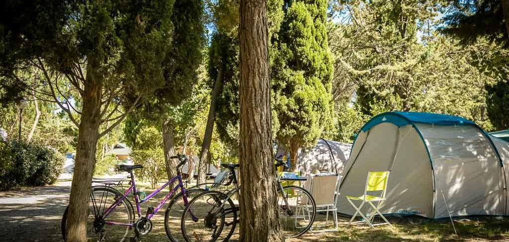 Emplacement et vélos du camping 4* Ma Prairie