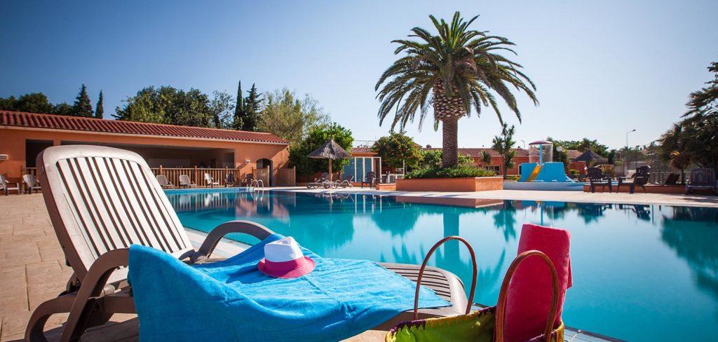 Camping 4 étoiles avec Piscine Mediterranée